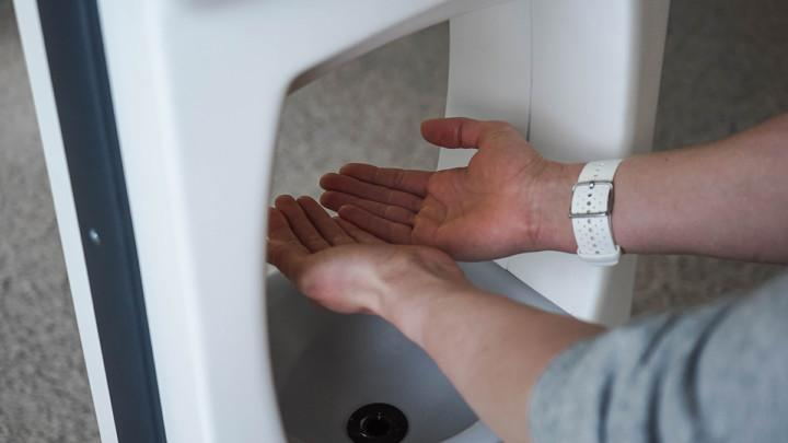 Hand disinfection with SafePoint+